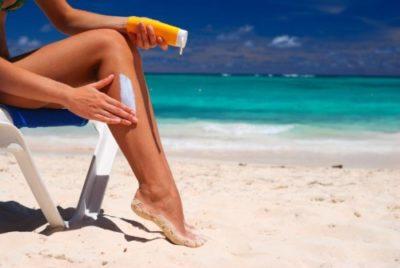6 прости начина да облечките кожата си след слънчево изгаряне